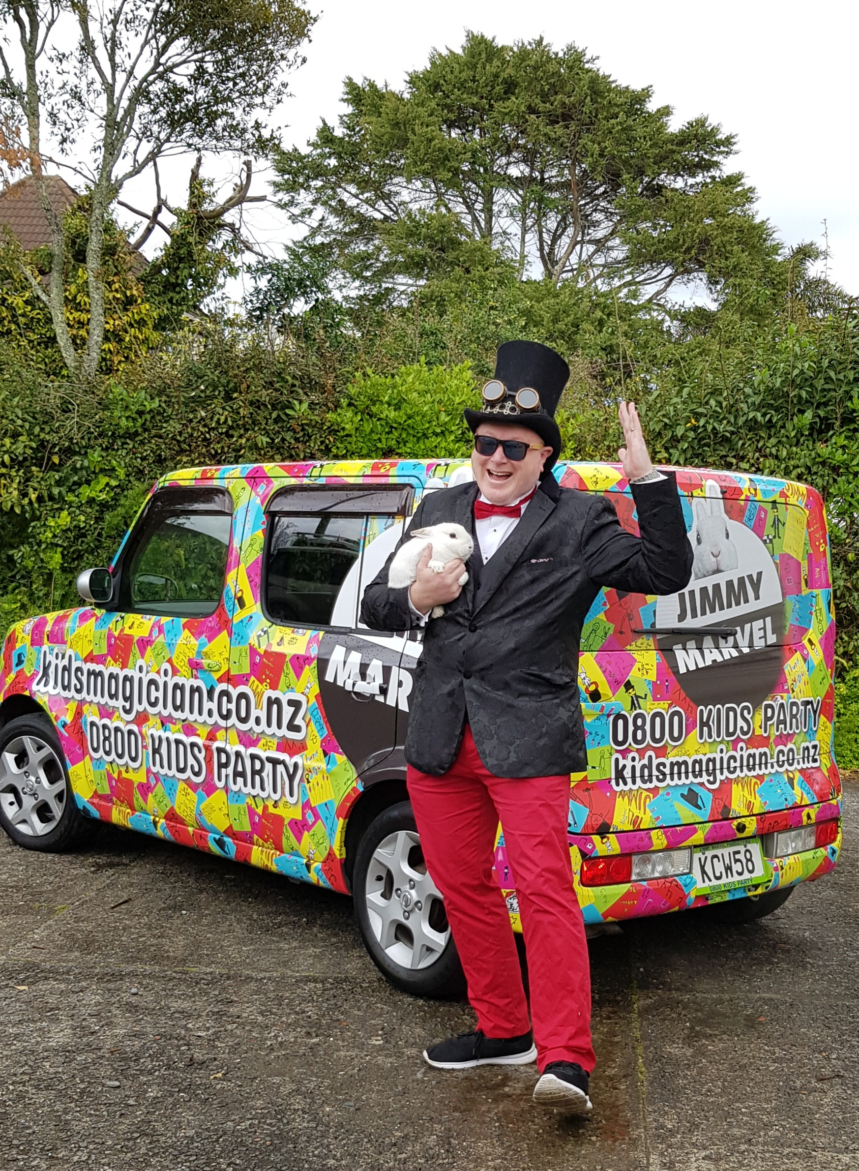 Auckland Kids Magician Jimmy Marvel Magical Car